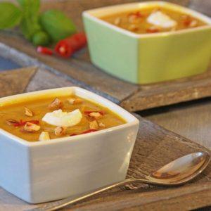 Pikante Süßkartoffel-Cashew-Suppe